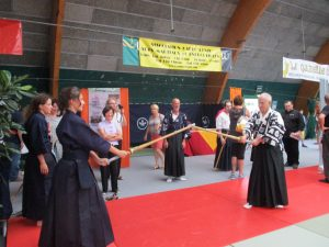 première leçon de kendo en ce qui me concerne. Pas de quoi pavoiser malgré mes trente années de kobudo!